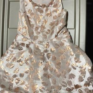 Beautiful girls max studio dress